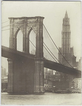 Brooklyn Bridge en Woolworth Building